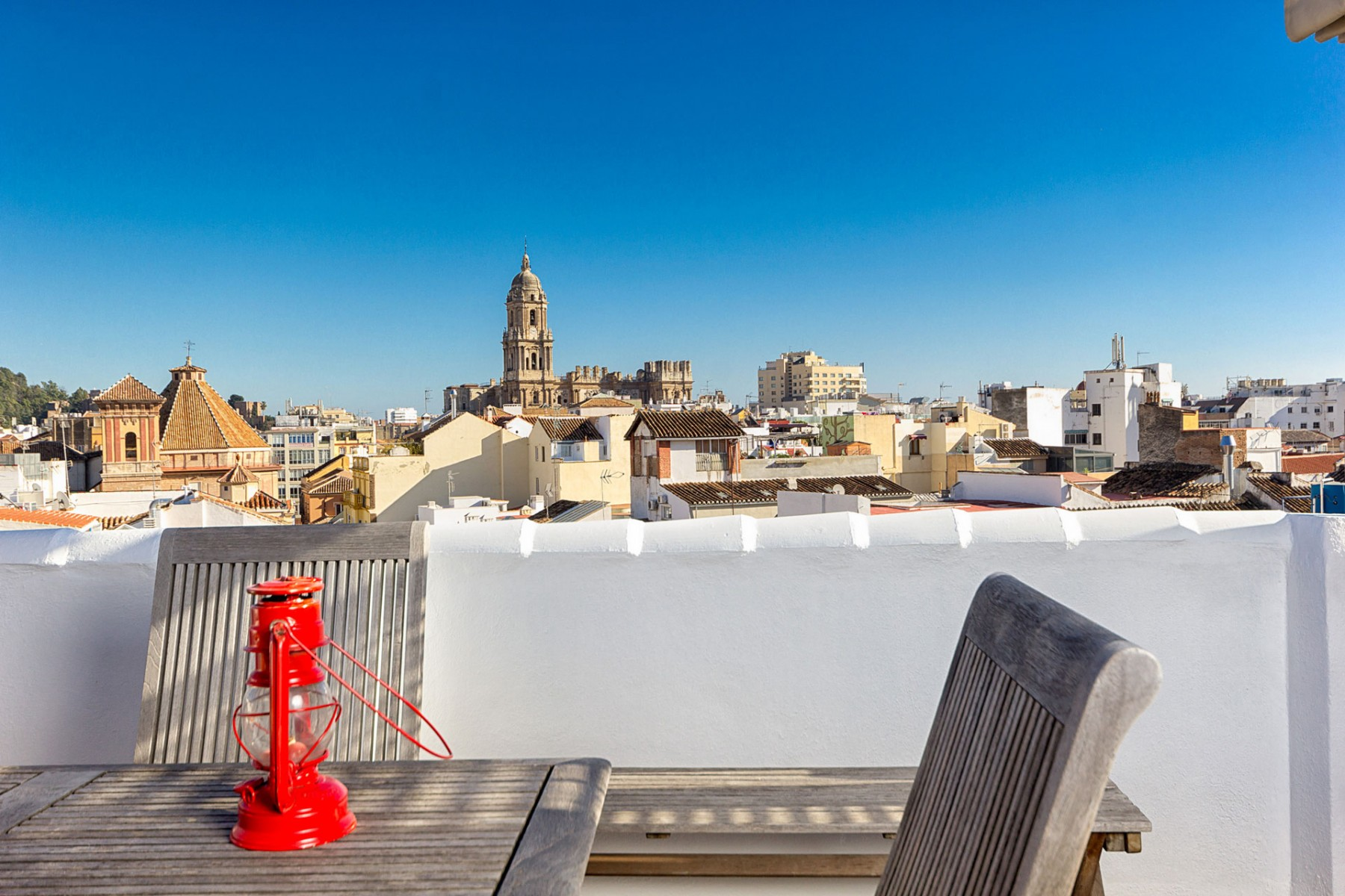 Charmerende penthouse feriebolig med tagterrasse i Malaga