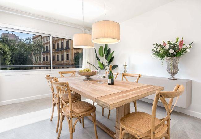 i Málaga - The Cosmopolitan - 3-værelses feriebolig tæt på Malagueta Strand